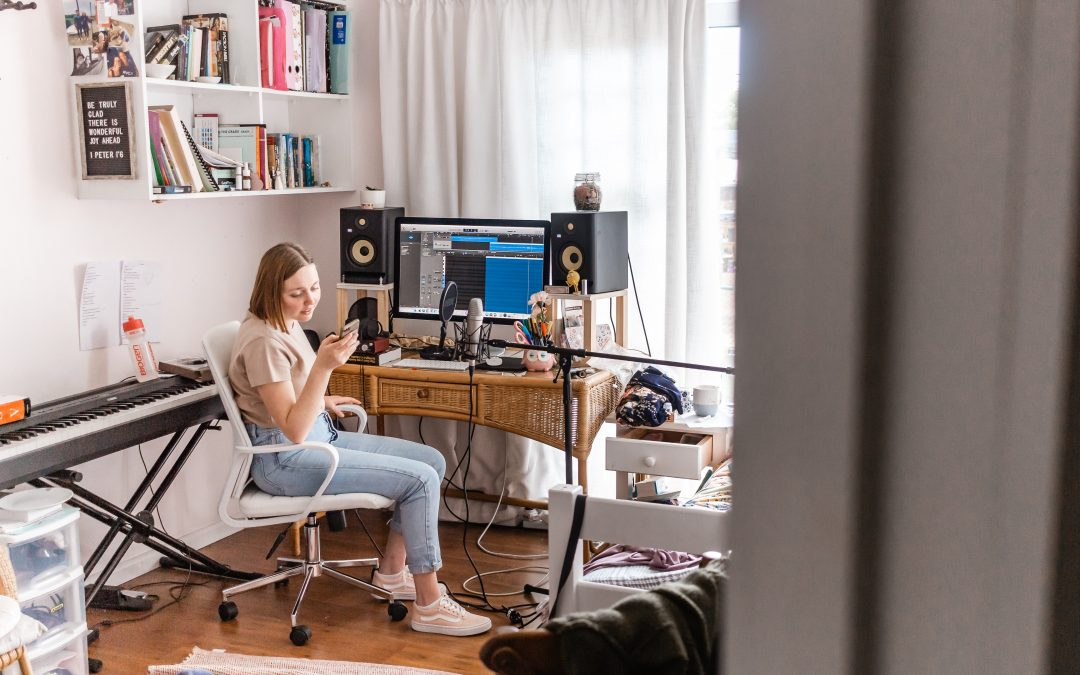 Starting A Home Studio (For Beginners)